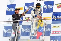 Race 4 podium: winner Mauricio Baiz, Mücke Motorsport, second place Ye Yifei celebrate with champagne