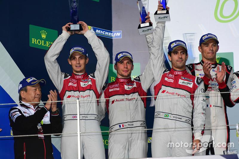 المنصة: المركز الثاني رقم 8 فريق أودي سبورت جوست آر18 إي-ترون كواترو: لوكاس دي غراسي، لويك دوفال، أوليفر جارفيس