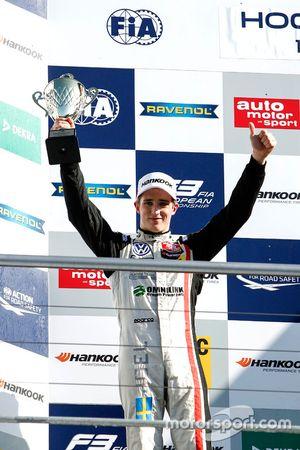 Podium: second place Joel Eriksson, Motopark Dallara F312 - Volkswagen