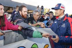 Daniel Sordo, Hyundai i20 WRC, Hyundai Motorsport, avec des fans