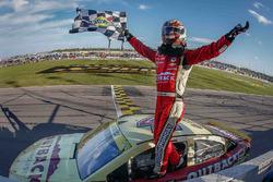 A verseny győztese Kevin Harvick, Stewart-Haas Racing Chevrolet