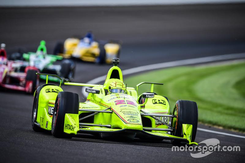 Indy 500, problème moteur pour une voiture Menards...