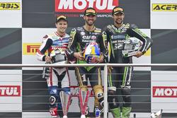 Podio: il vincitore Kenan Sofuoglu, Kawasaki Puccetti Racing, il secondo PJ Jacobsen, Honda World Su