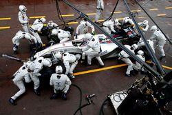 Valtteri Bottas, Williams FW38, lors d'un arrêt aux stands