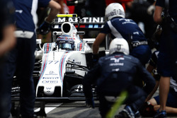 Valtteri Bottas, Williams FW38 in de pitstraat