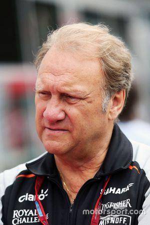 Robert Fernley, Sahara fuerza la India F1 equipo Subdirector