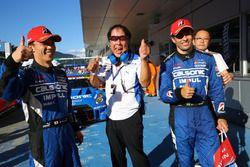 Winners #12 Team Impul Nissan GT-R Nismo GT3: Hironobu Yasuda, Joao Paulo de Oliveira with Kazuyoshi Hoshino, Team Impul Director