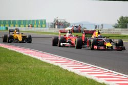 Max Verstappen, Red Bull Racing RB12, Kimi Raikkonen, Ferrari SF16-H choque