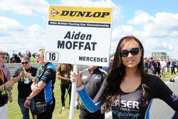 Chica de la parrilla para Aiden Moffat, Laser Tools Racing