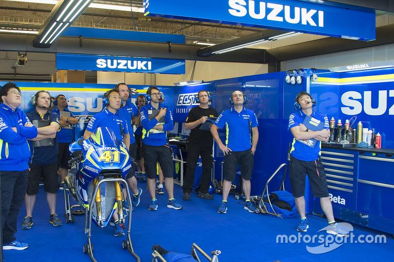 Suzuki team area