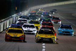 Joey Logano, Team Penske Ford; Carl Edwards, Joe Gibbs Racing Toyota