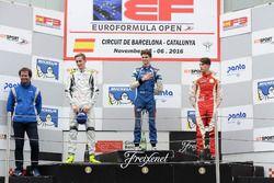 Podyum: 1. Colton Herta, Carlin Motorsport; 2. Ferdinand Habsburg, Drivex School; 3. Leonardo Pulcin