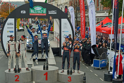 Podium : les vainqieurs Sébastien Ogier, Julien Ingrassia, Volkswagen Polo WRC, Volkswagen Motorsport; les 2e Ott Tänak, Raigo Molder, DMACK World Rally Team; les 3e Thierry Neuville, Nicolas Gilsoul, Hyundai i20 WRC, Hyundai Motorsport