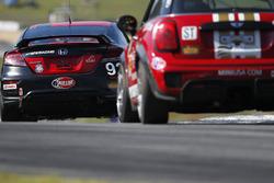 #92 HART Honda Civic Si: Kevin Boehm, Steve Eich, #73 MINI JCW Team MINI Cooper John Cooper Works: D