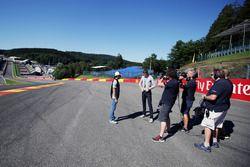 Sergio Perez, Sahara Force India F1 con Paul di Resta, Williams piloto de reserva / Sky Sports F1