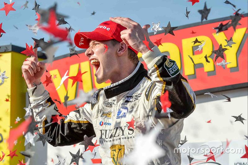 Переможець гонки Josef Джозеф Ньюгарден, Ed Carpenter Racing Chevrolet