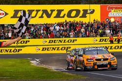 Winnaars Will Davison, Jonathon Webb, Tekno Autosports Holden