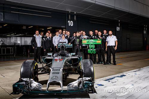 Jorge Lorenzo testa Mercedes de F1