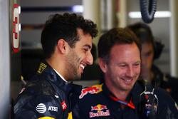 Даниэль Риккардо, Red Bull Racing, и Кристиан Хорнер, руководитель Red Bull Racing