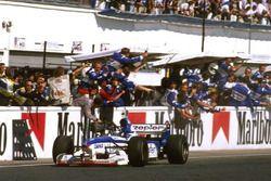 Damon Hill, Arrows
