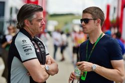 Andy Stevenson, Sahara Force India F1 Team Manager with Paul di Resta, Williams Reserve Driver