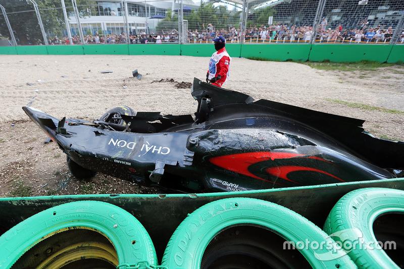 Así quedó el McLaren MP4-31 de Fernando Alonso