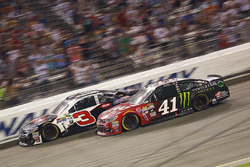 Austin Dillon, Richard Childress Racing Chevrolet, Kurt Busch, Stewart-Haas Racing Chevrolet