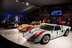 Le Mans 1966 peringkat kedua Ken Miles, Denis Hulme, Ford GT 40