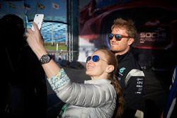 Nico Rosberg, Mercedes AMG F1 Team with fans