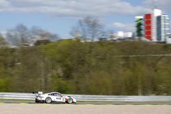 #17 KÜS TEAM75 Bernhard, Porsche 911 GT3 R: David Jahn, Klaus Bachler