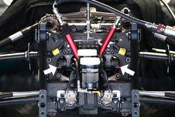 Detalle de suspensión del Mercedes AMG F1 Team W07