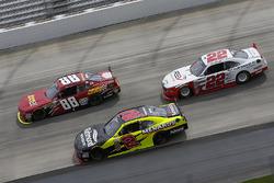 Alex Bowman, JR Motorsports Chevrolet, Paul Menard, Richard Childress Racing Chevrolet, Joey Logano,
