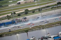Crash: Austin Dillon, Richard Childress Racing, Chevrolet