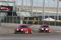 Petr Fulín, Mulsanne Racing, Alfa Romeo Giulietta TCR; Michela Cerruti, Mulsanne Racing, Alfa Romeo Giulietta TCR