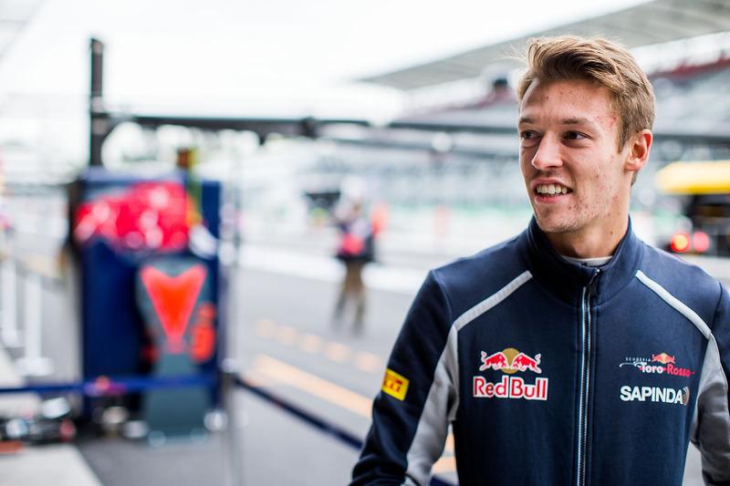 2016 год. В боксах Toro Rosso на второй пятничной тренировке