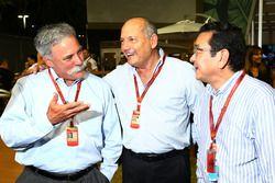 Chase Carey, Presidente Grupo Fórmula uno con Ron Dennis, Presidente Ejecutivo de McLaren y Takahiro