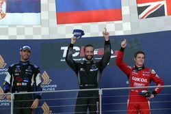 Podio: il vincitore della gara Mikhail Grachev, Honda Civic TCR , WestCoast Racing; il secondo class
