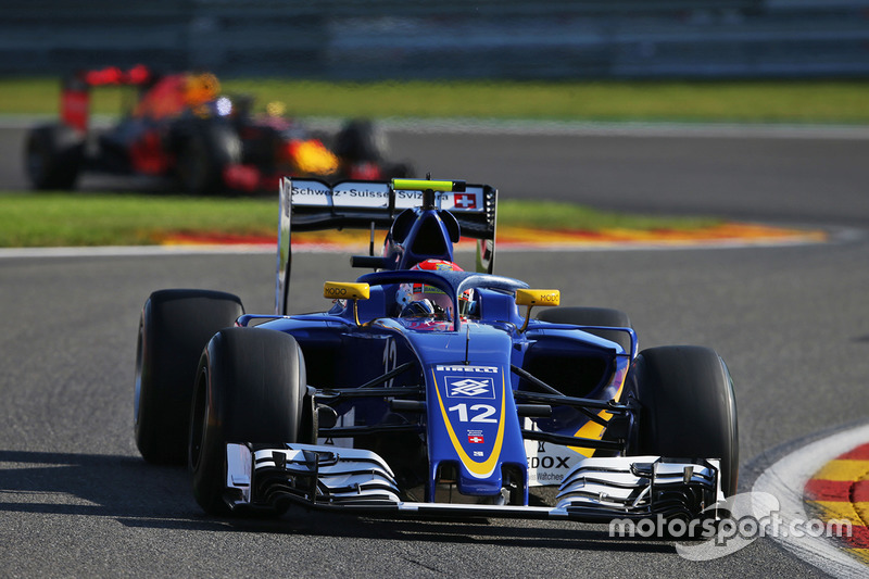 Sauber C35, Halo customisé