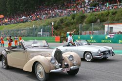 (L to R): Fernando Alonso, McLaren and Nico Rosberg, Mercedes AMG F1 on the drivers parade