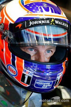 Jenson Button, McLaren in cockpit.