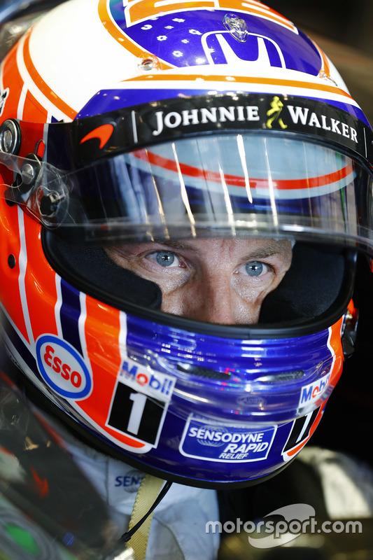 Jenson Button, McLaren nell'abitacolo