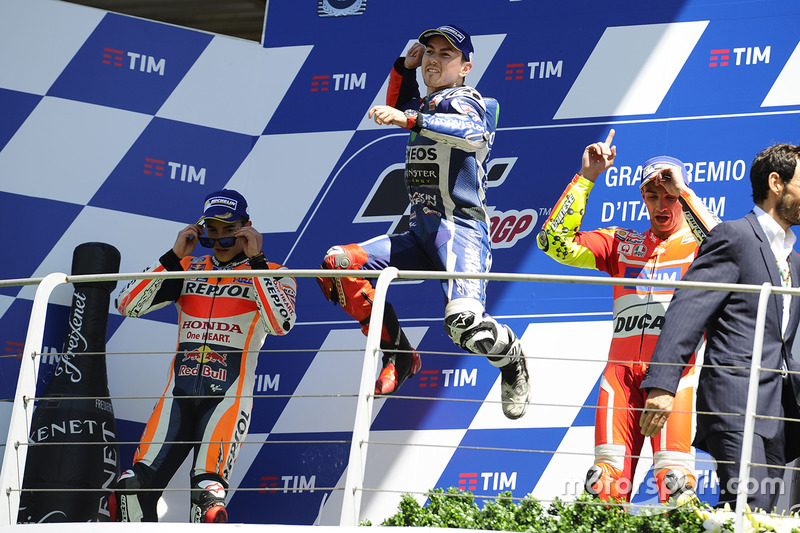 Podio: 1º Jorge Lorenzo, 2º Marc Márquez, 3º Andrea Iannone