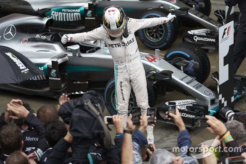 Ganador del GP de Brasil 2016: Lewis Hamilton, Mercedes AMG F1