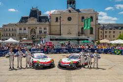 رقم 92 فريق بورشه 911 آر إس آر: مايكل كريستنسن، كيفن إستر، ديرك فيرنر ورقم 91 فريق بورشه 911 آر إس آ