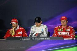 Sebastian Vettel, Ferrari, Valtteri Bottas, Mercedes AMG F1, Kimi Raikkonen, Ferrari in de persconferentie