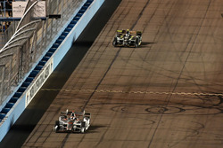 Will Power, Team Penske, Chevrolet; J.R. Hildebrand, Ed Carpenter Racing, Chevrolet