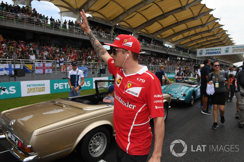 Kimi Raikkonen, Ferrari saat parade pembalap