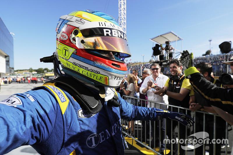 Ganador de la carrera Oliver Rowland, DAMS