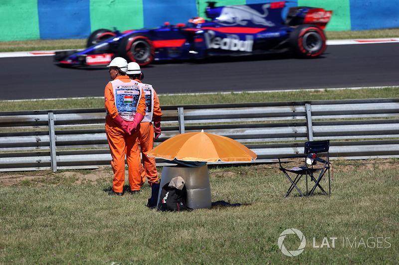 Маршали та  Данііл Квят, Scuderia Toro Rosso STR12