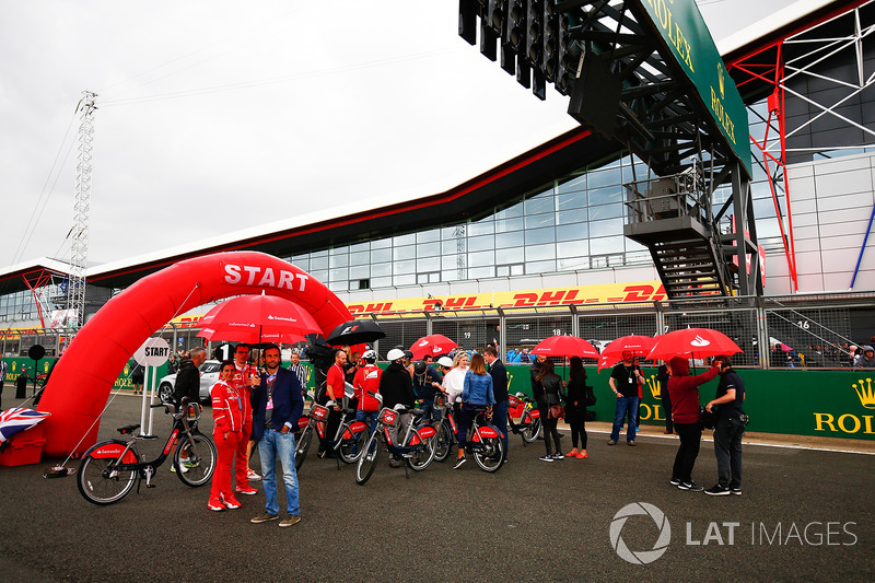 Santander branded bicycles on the pit straight